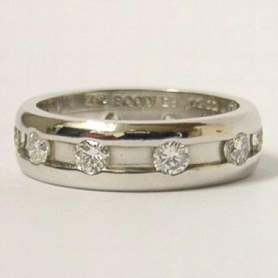 Boodles Signed Platinum 0.94ct Diamond Amare Ring